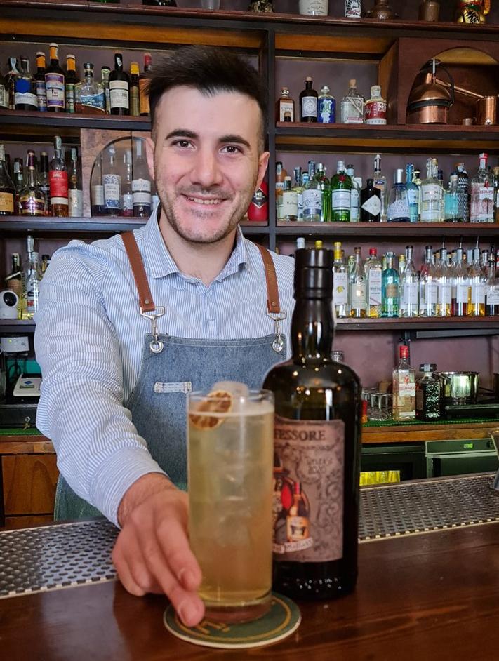 Luca-Romano-bartender